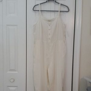 Old Navy cream linen blend jumpsuit, size L.